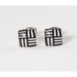 Ohrstecker Quadrat schwarz weiß gestrichelt Edelstahl