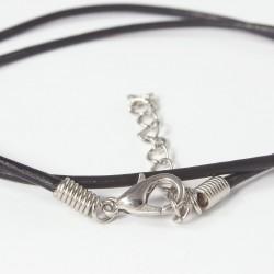 Lederkette, Lederband 2 mm schwarz mit silberfarbenen Verschluss, Länge 45-50 cm