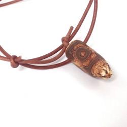 Dzi-Stein, Tibetischer Achat, Kette mit Büffellederband